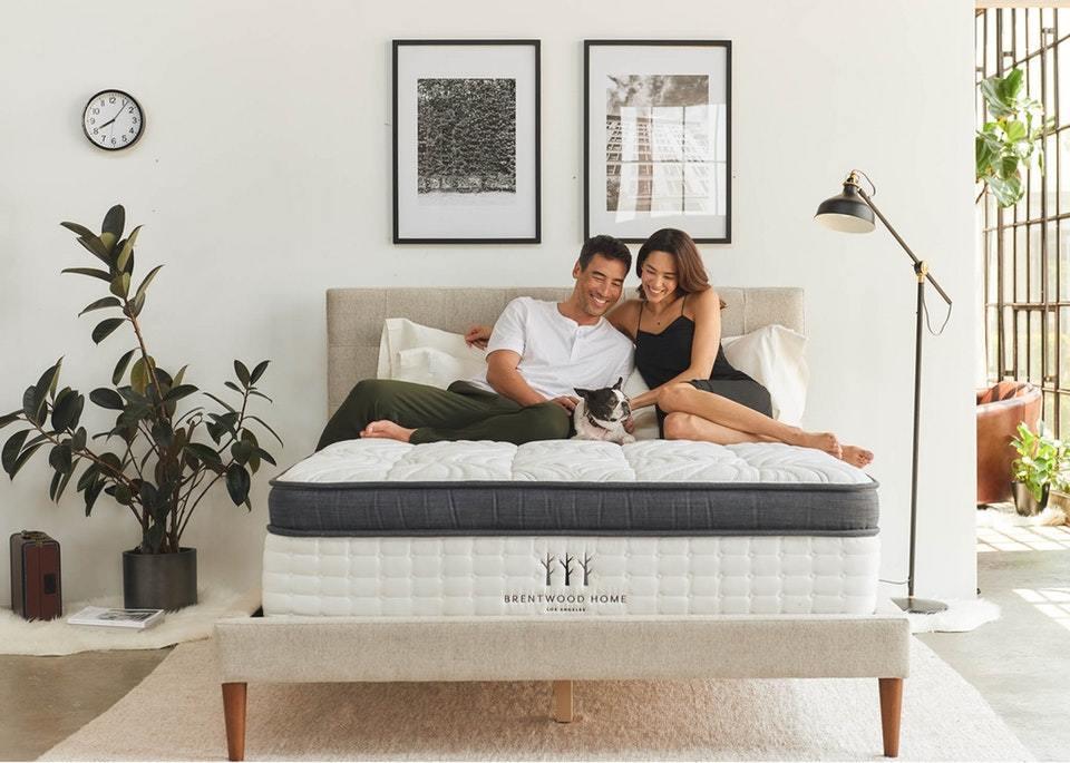 Oceano Luxury Hybrid Mattress; Best for hip pain